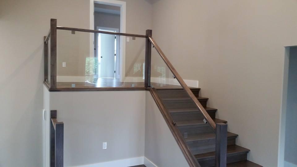 Interior glass railings all pro glass grande prairie for Indoor glass railing